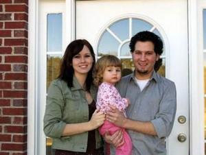 New home photo by BigStockPhoto.com.