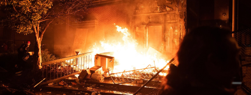 Protestors set fire to Minneapolis Police 3rd Precinct
