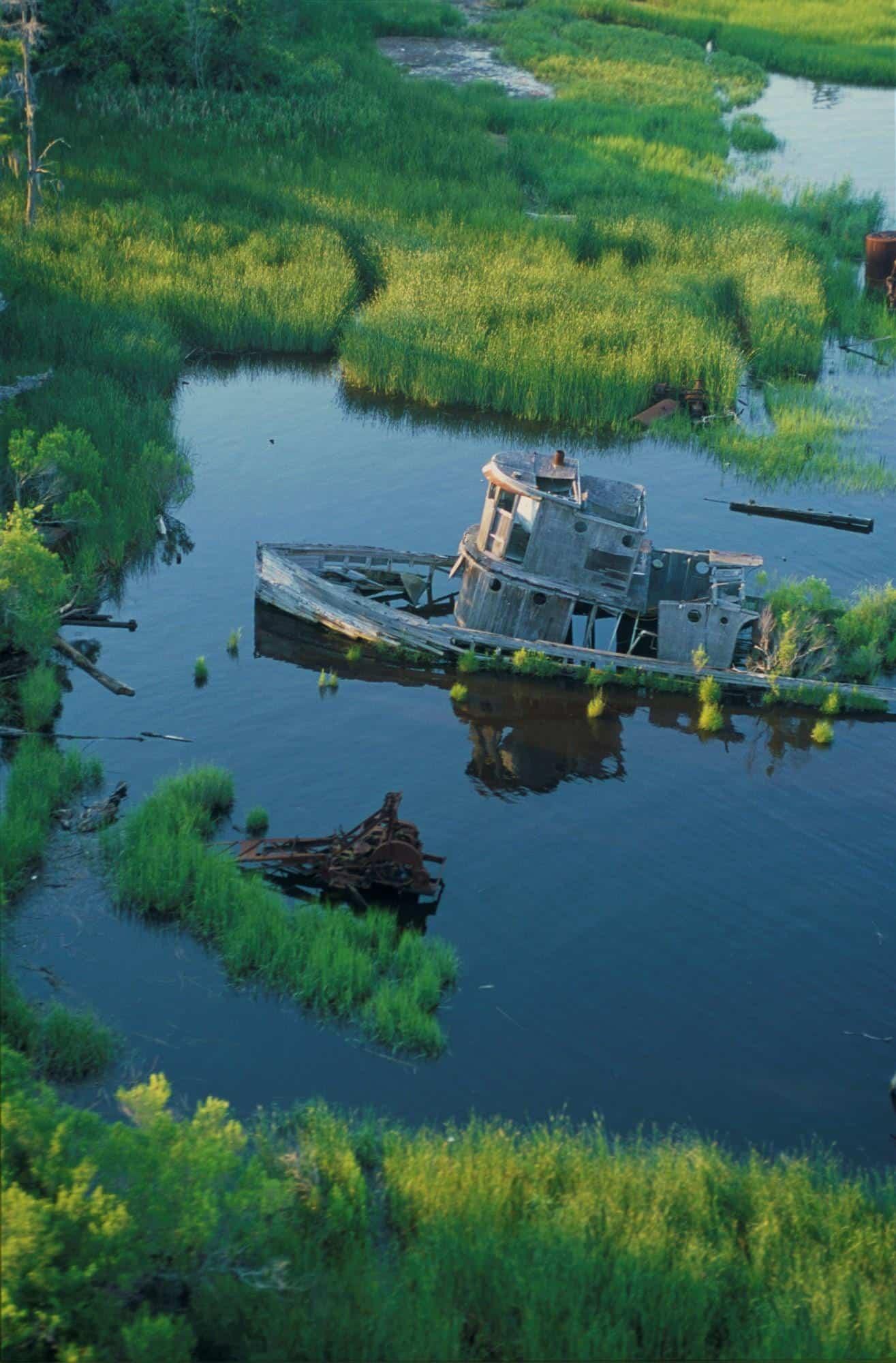 Abandoned-Tugboat-Cape-Fear-River
