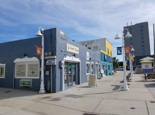 carolina-beach-boardwalk-stores