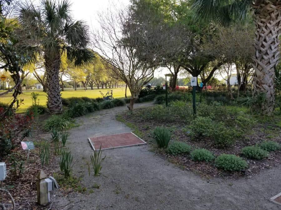 harbor-way-gardens-walkway