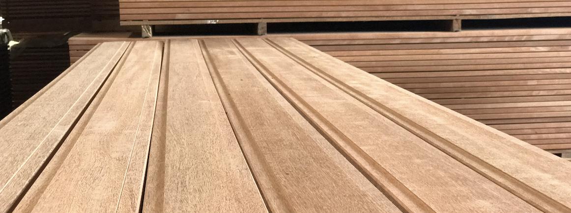 BlueRoots Truck Flooring Decking kozijnen sustainable tropical rainforest timber lumber FSC