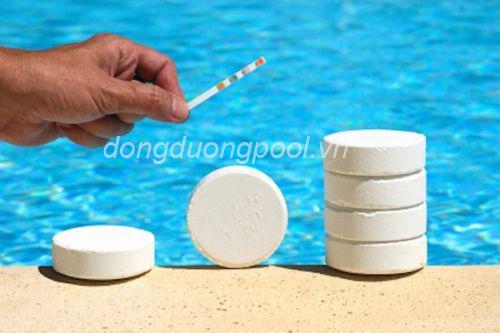bể bơi có dư lượng clo