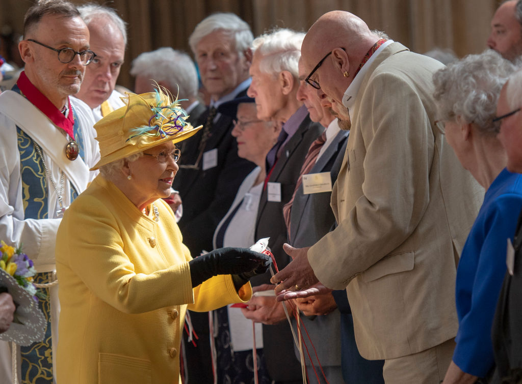 Queen Elizabeth Gives Out Sherlock Coin As Part of Maundy Thursday
