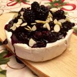 Recette : Brie fondant aux camerises, mûres et canneberges