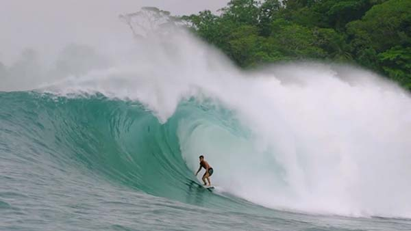 Top 10 Surfing Clips