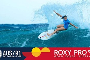 Stephanie Gilmore & Courtney Conlogue's Dramatic Final Exchange | Roxy Pro 2017 Round 4, Heat 4