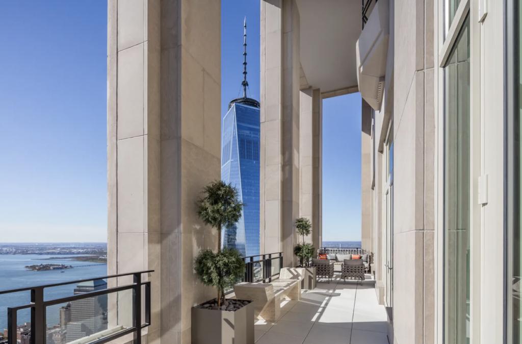30 Park Place Penthouse, double height loggia