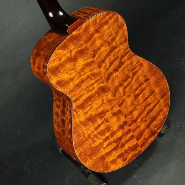 The Tree is the most famous wood in the world. Here is an sg-2 in the Tree. #Samguidryguitars#wood #woodworking #music #likes #art #woodart #woodporn #guitarporn #guitarist #luthier #lutherie #luthiery #handmade #collective #galloupguitars #fingerstyle #fingerstyleguitar #custommade #customguitar #acoustic #acousticguitar #dowoodworking #boutique #luxury #madeinamerica #michiganmade #iwantthatguitar #whatsonyourbench #galloupstudios