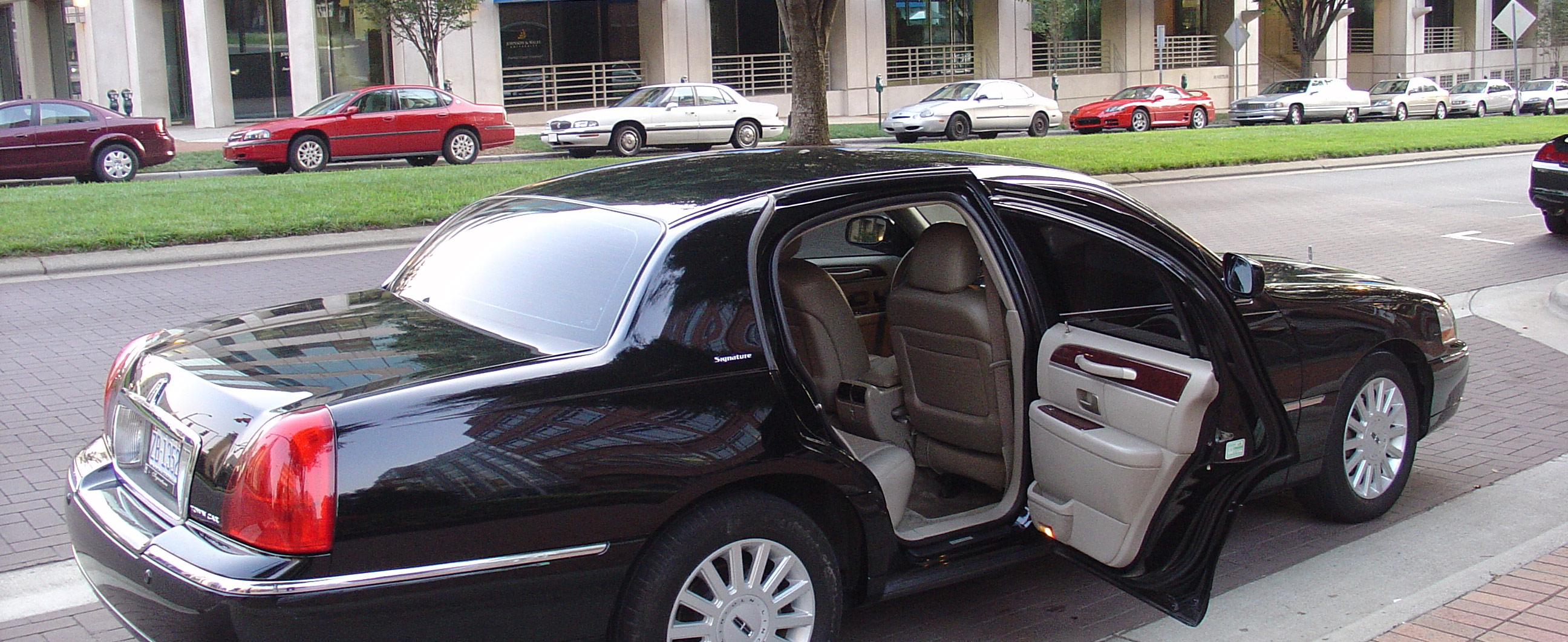 Lincoln Town Car Limo Charlotte
