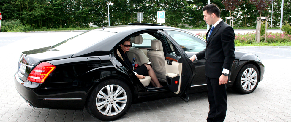 Chauffeur Limo Driver, Point to point limo, Charlotte NC
