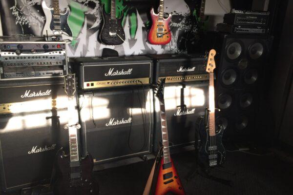 Virus Marshall Amps and Guitars