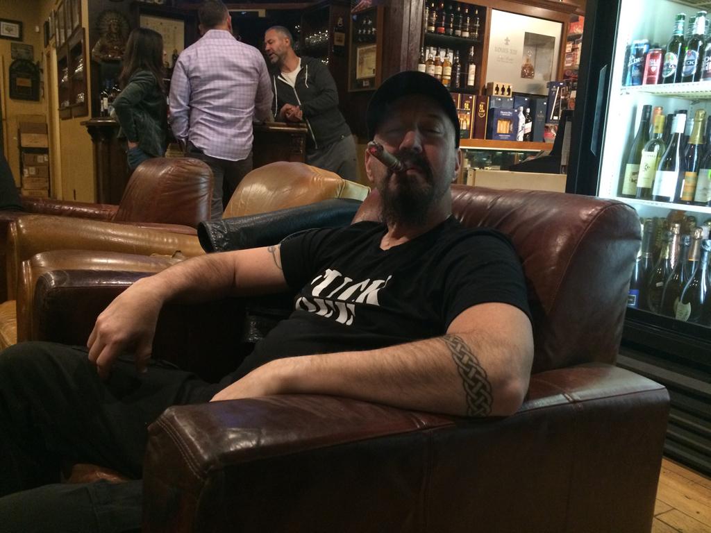 Old Oaks Cigar & Wine Lounge