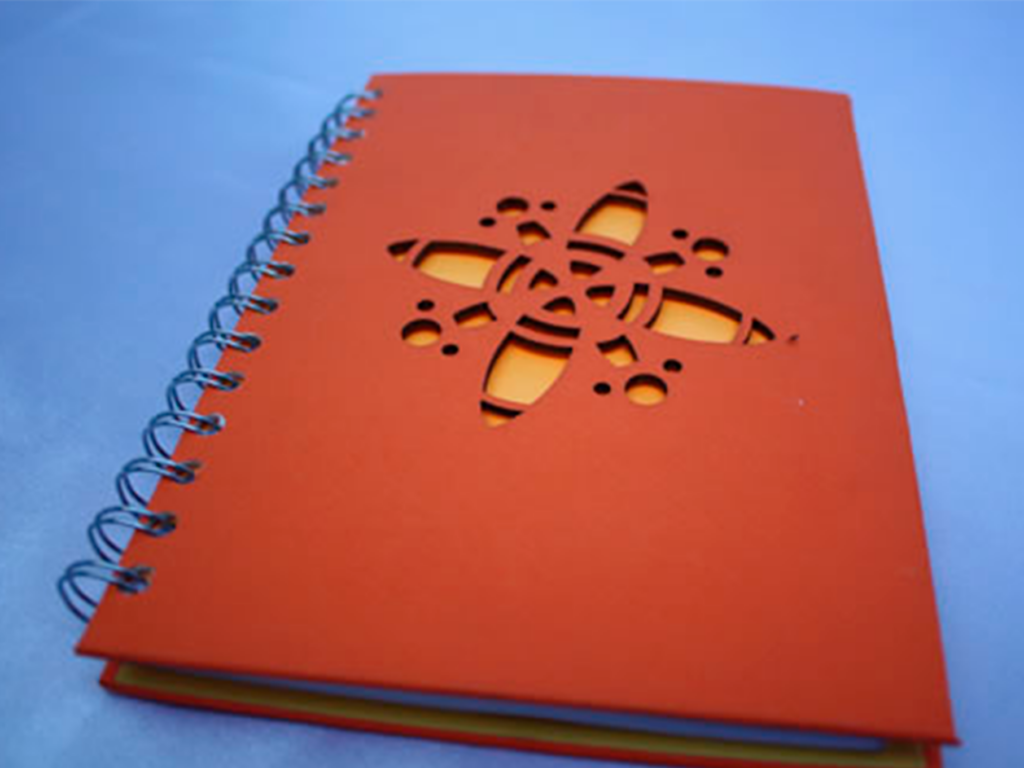 cuaderno con corte laser