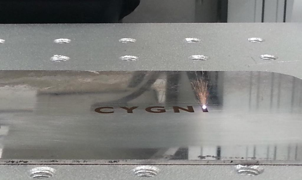 lagrado laser fibra sobre metal