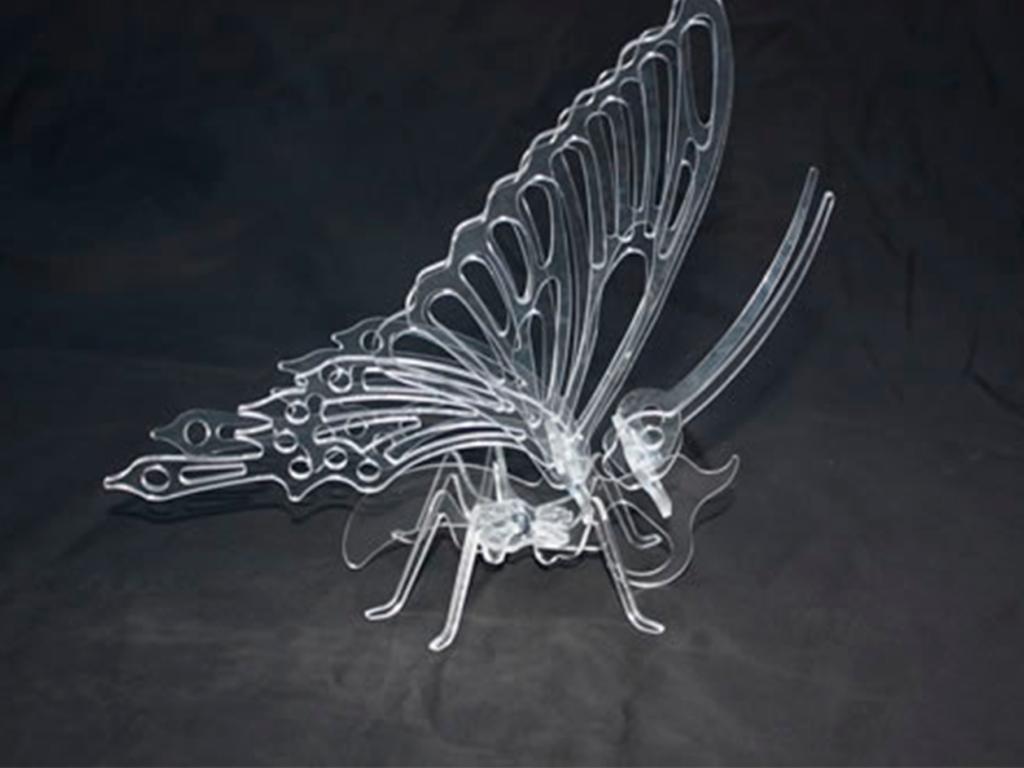 mariposa corte acrilico