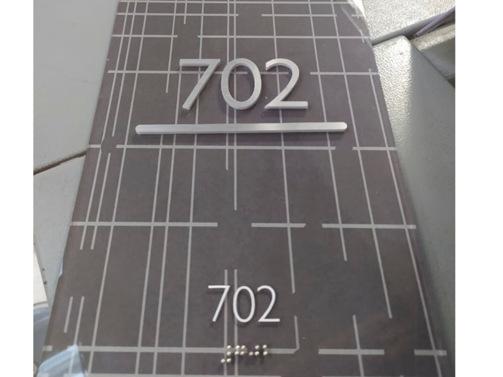 señalización con braille