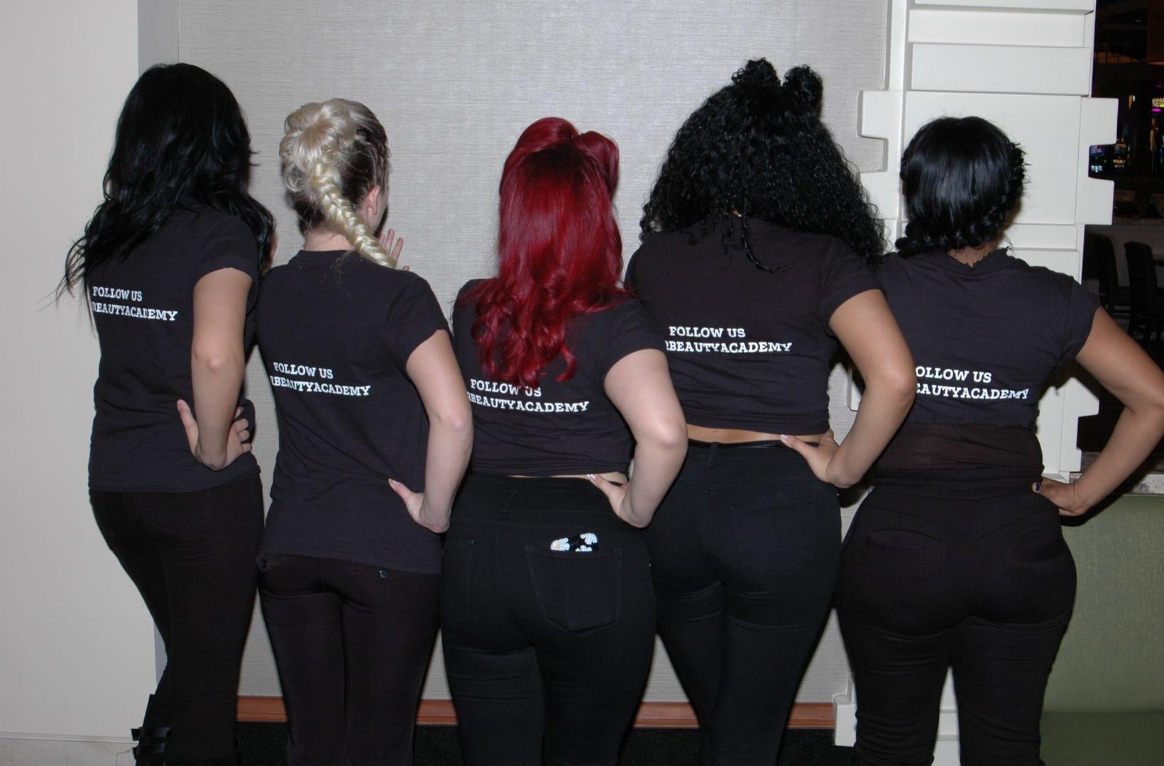 girls-on-back