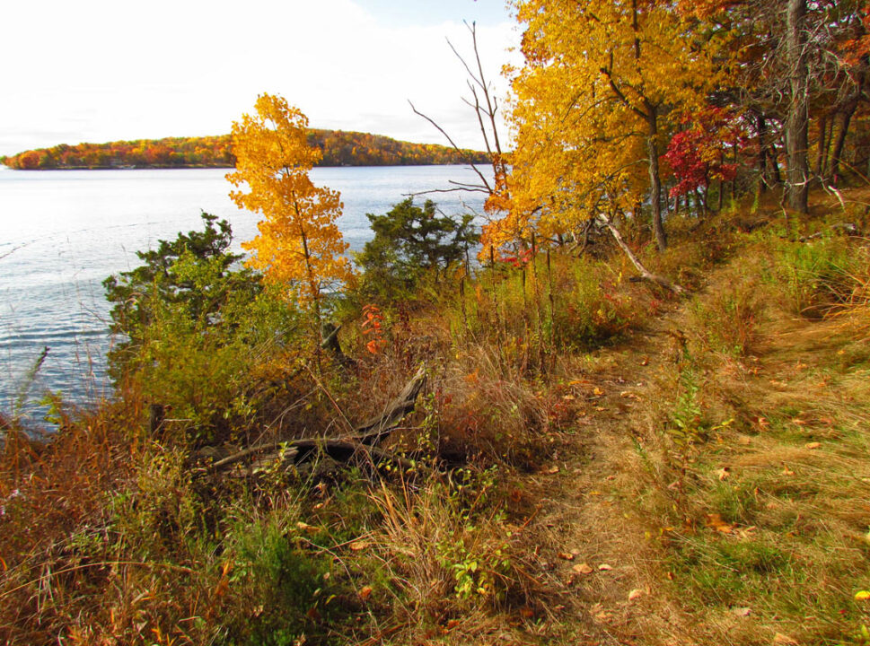 Winnebago Trail 10-18-14 trail along lake