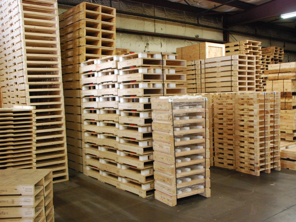 Pallet-mixed pallets west wall_1000x750
