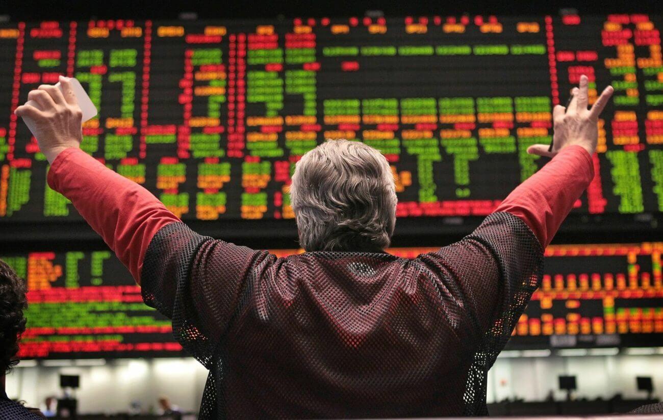 US Stocks Roar to New Highs Despite Pandemic