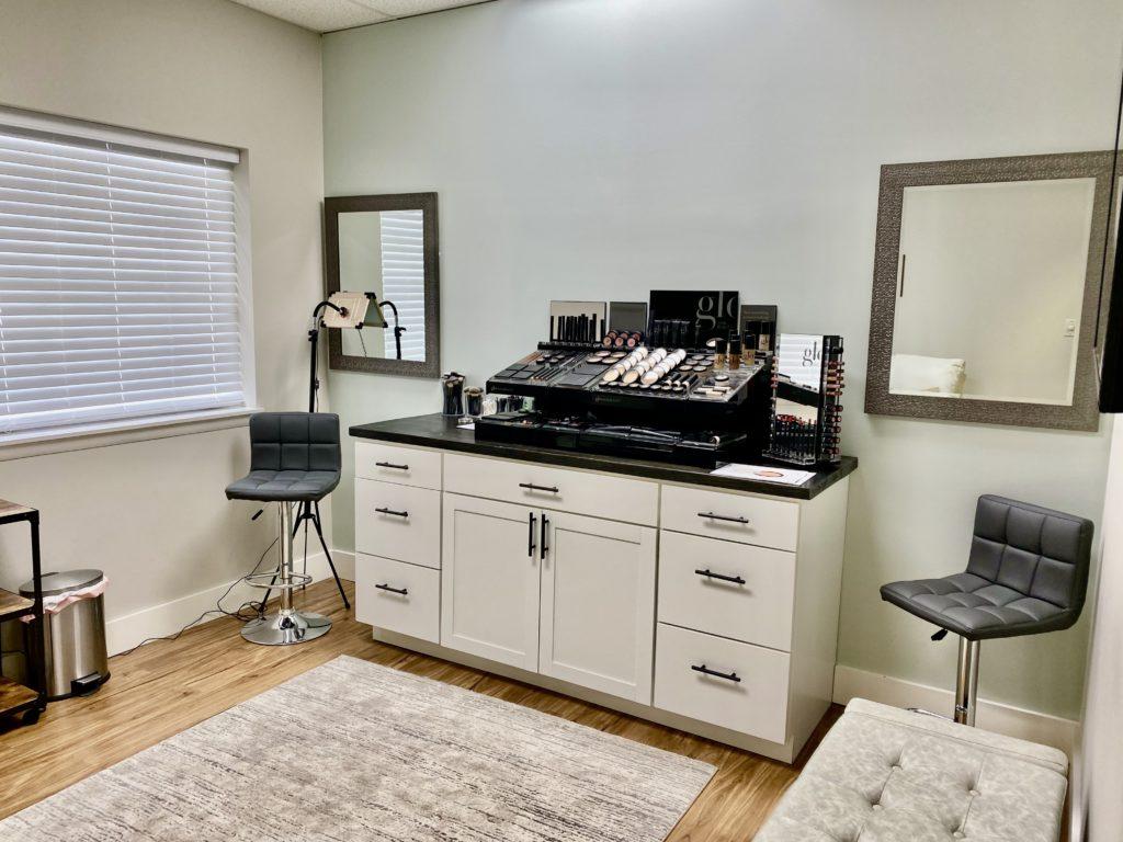 Glo Makeup Room