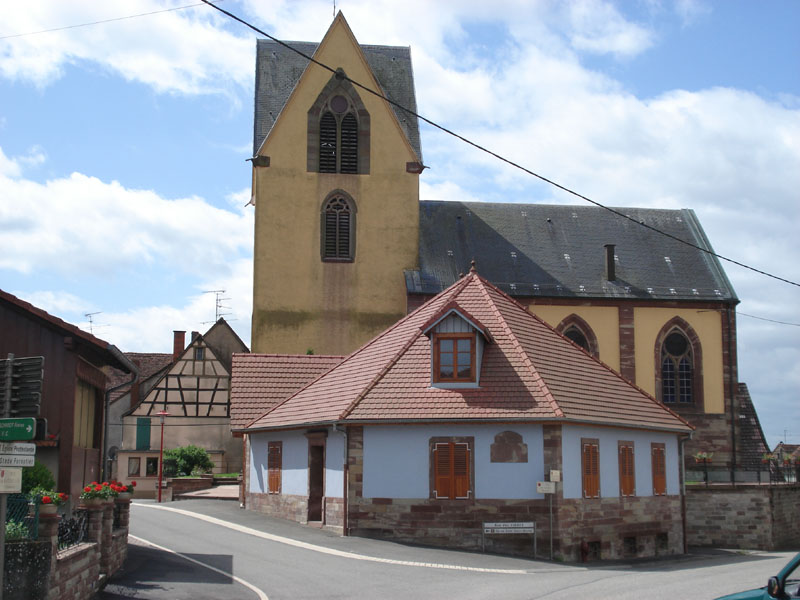 This image has an empty alt attribute; its file name is ButtenChurch2009.jpg