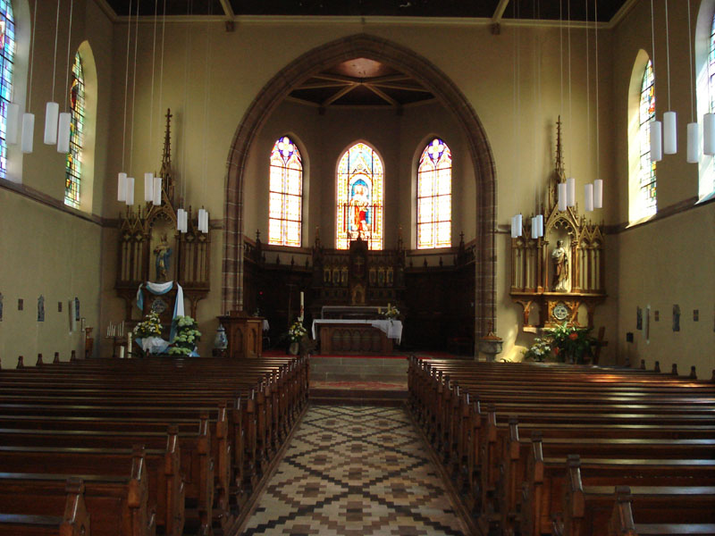This image has an empty alt attribute; its file name is Church_Betchdorf2009.jpg