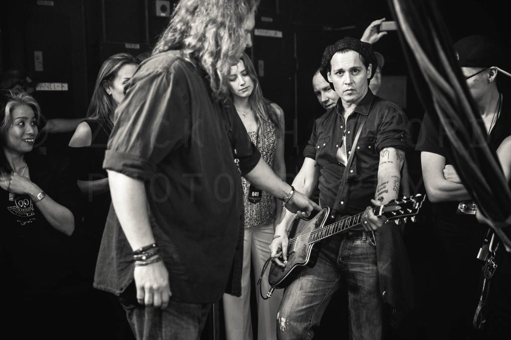 Johnny Depp moments before taking the stage with Aerosmith (© Zack Whitford)
