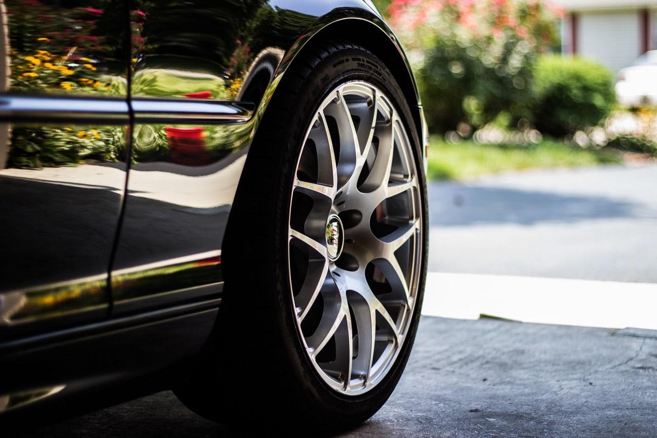 Alfa Romeo Wheel Rim And Run Flat Tire