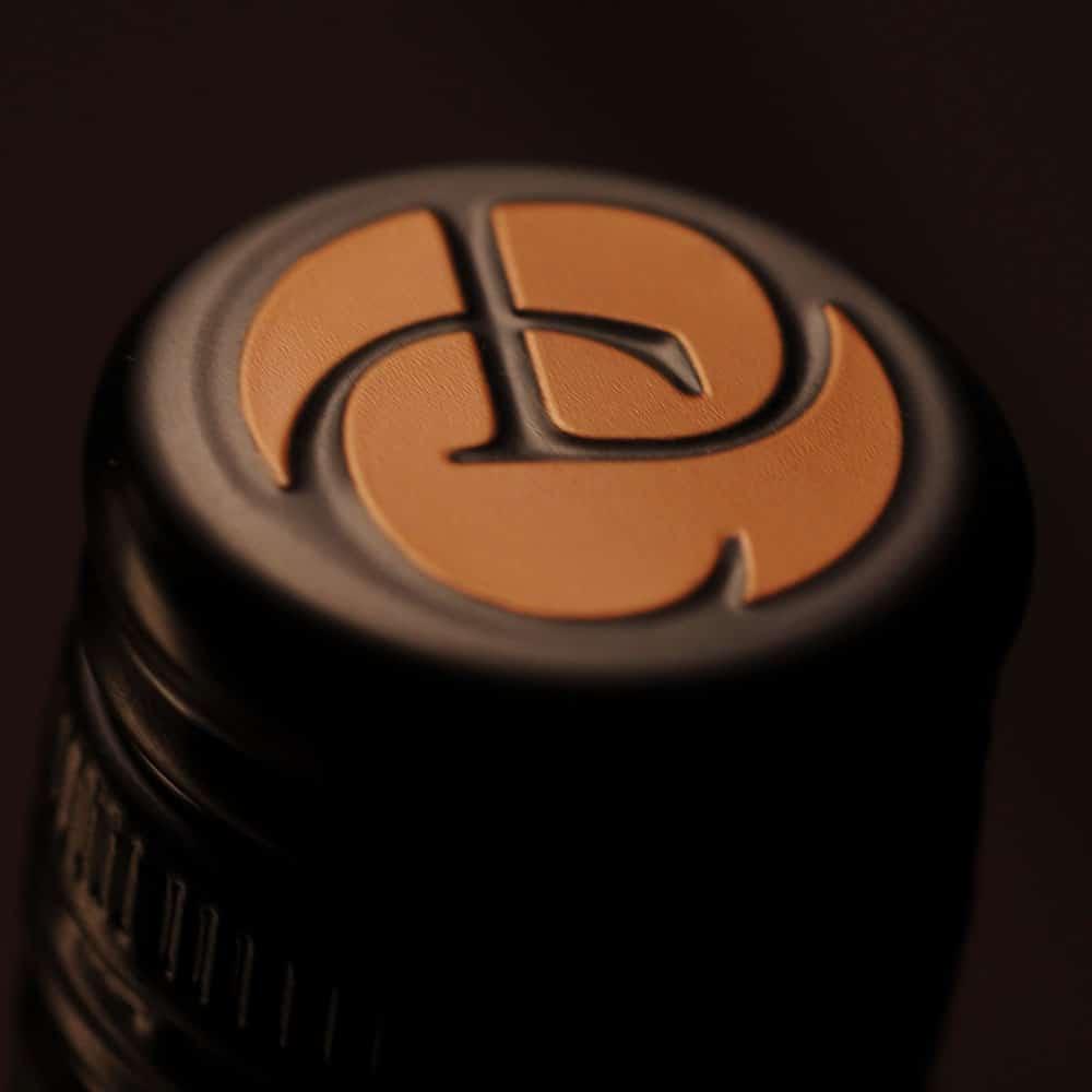 Co Dinn Cellars capsule
