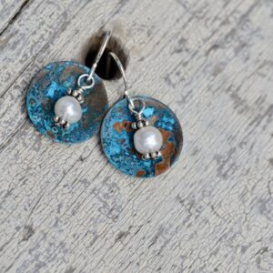 blue patina round copper earrings with pearls