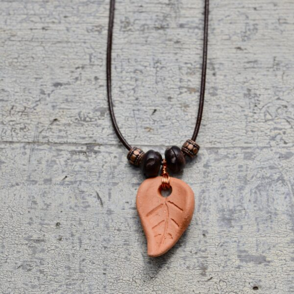 terra cotta leaf necklace oil diffuser 6