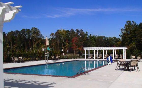Riverwalk at Burlington Pool