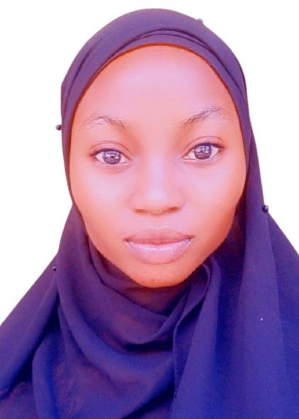 Zainab Headshot