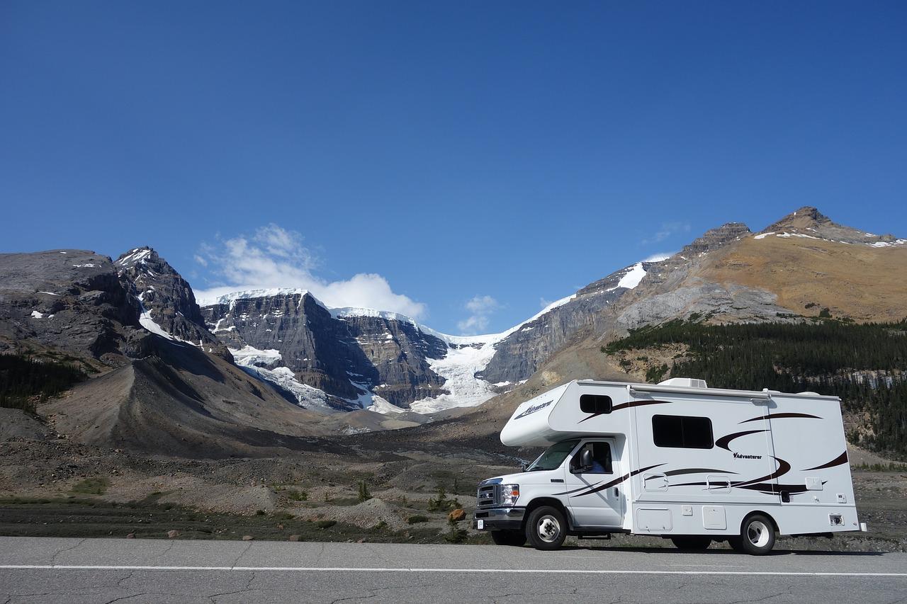 mobile home, rv, canada