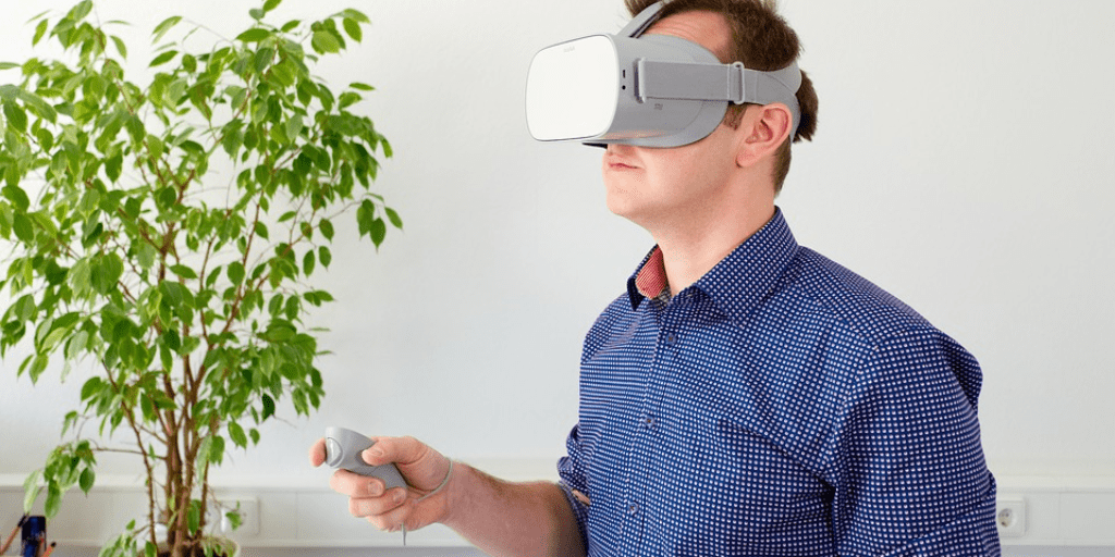 5 Ways Augmented Reality (AR) Is Transforming Retail
