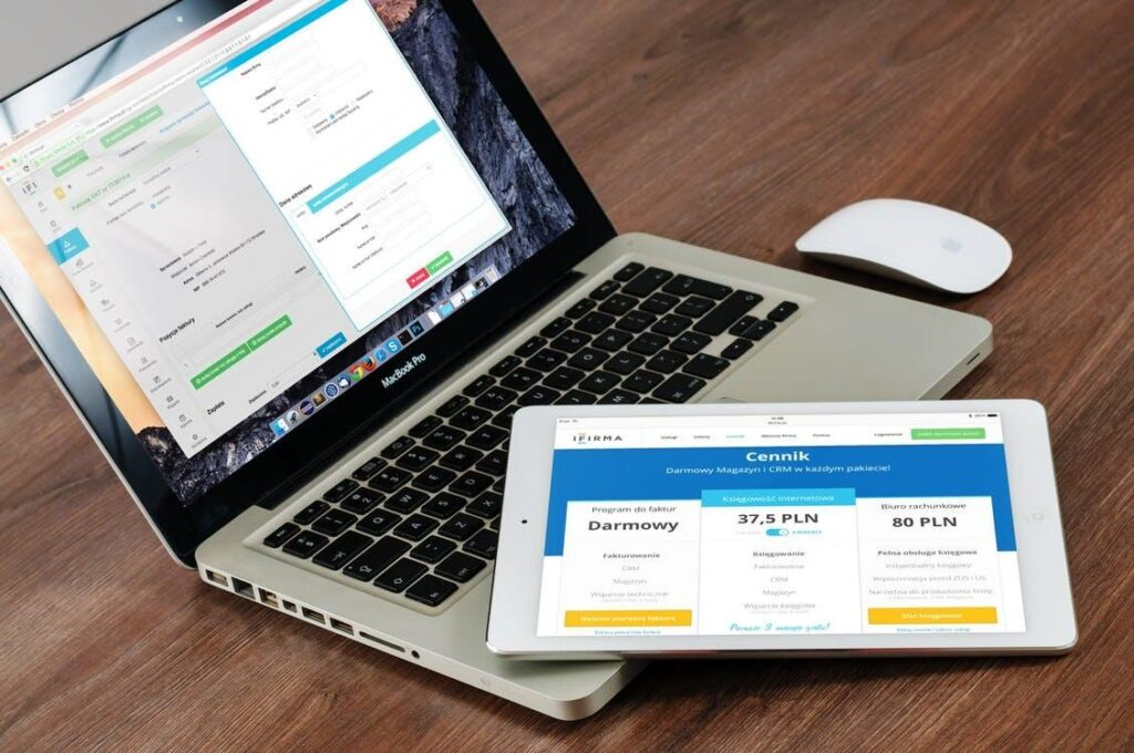 SIX MUST-HAVES FOR A SMART ECOMMERCE MANAGEMENT SYSTEM