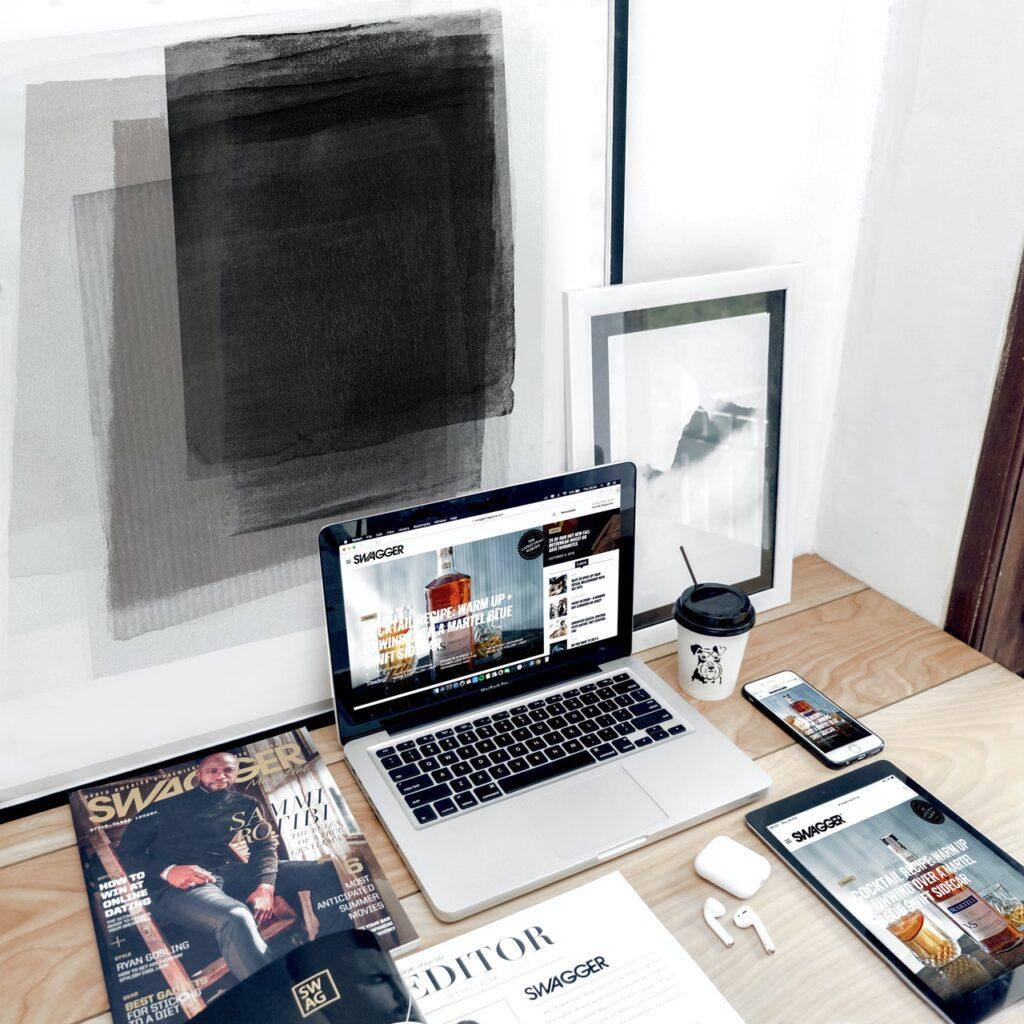 How to Increase Brand Visibility through Customized Logo Design?