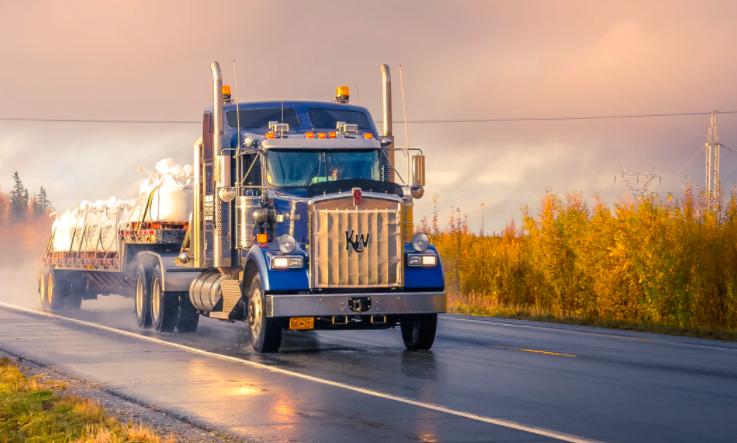 4 Ways Technology Improves Truck Fleet Management Safety