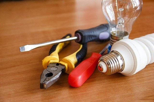 6 Marketing Ideas for Electricians and Plumbers