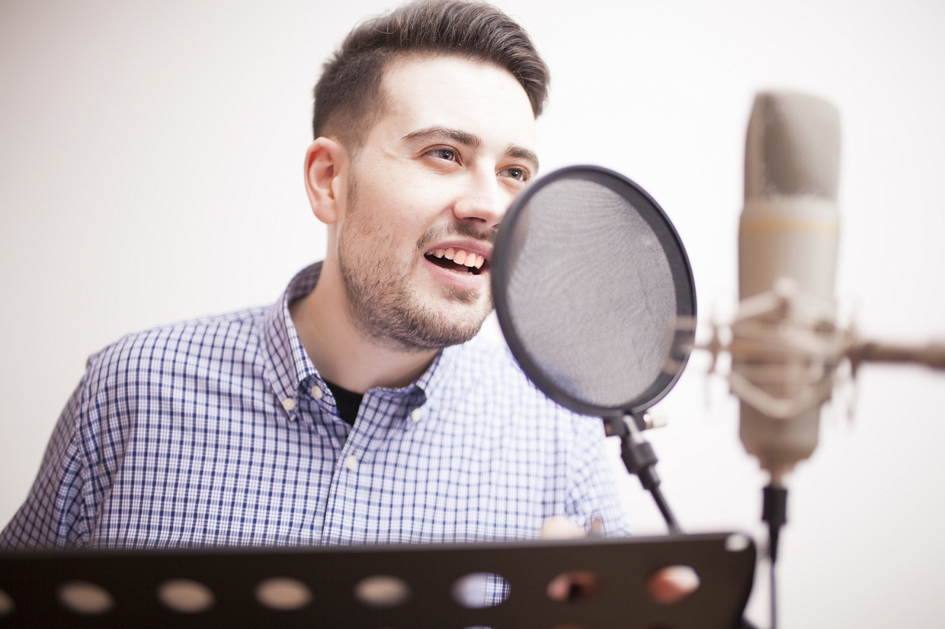 Top 4 Factors to Consider When Choosing Voiceover Companies