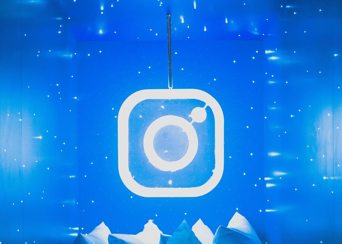7 Positive Effects of Embedding Instagram Feeds on Website