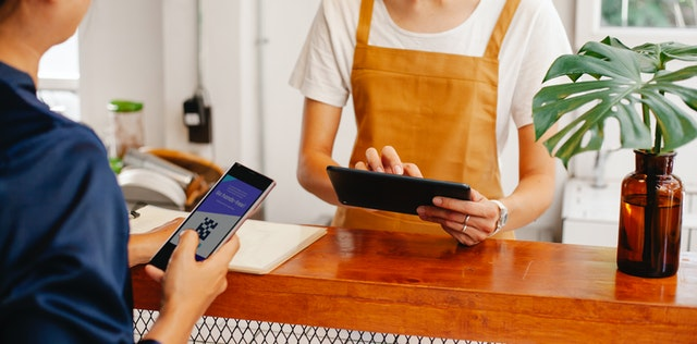 How to Leverage Contactless Payments in Your Business