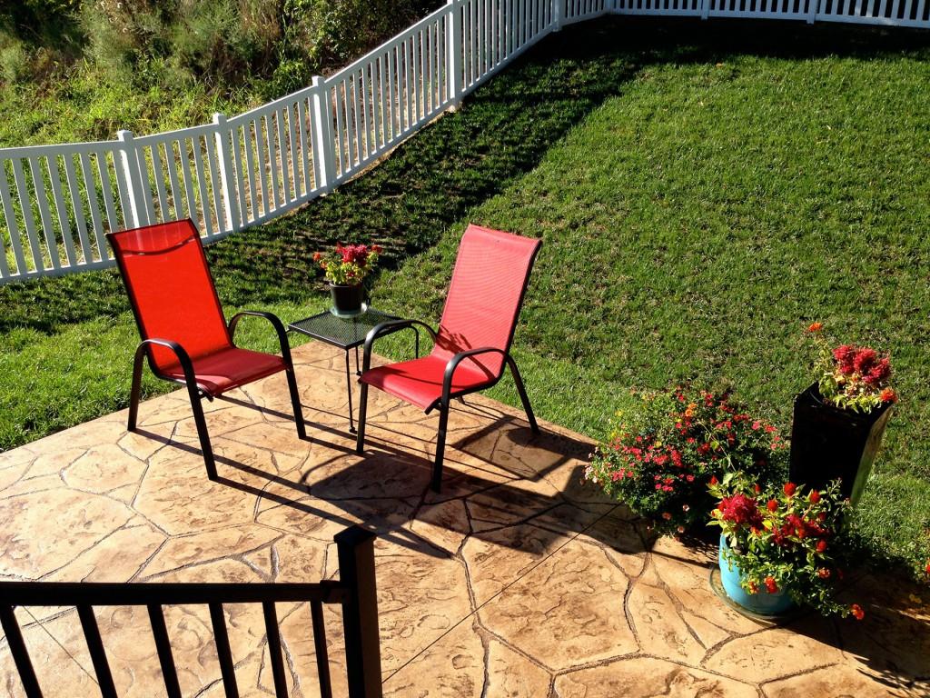 railing matches furniture