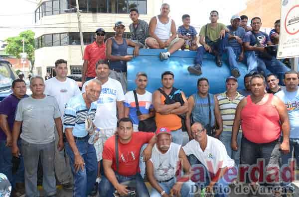 Cisterneros denuncian abuso policial ante el Ministerio Público