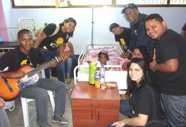 Participantes de Sol de Vargas realizan labor social