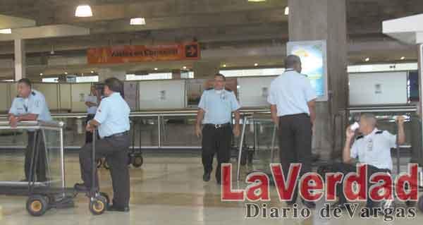 Más de mil varguenses podrían quedar sin empleo por reducción de vuelos en Maiquetía