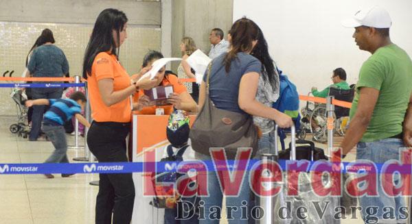 """Pasajeros temen por su seguridad ante """"improvisación de vuelos"""" de Conviasa"""