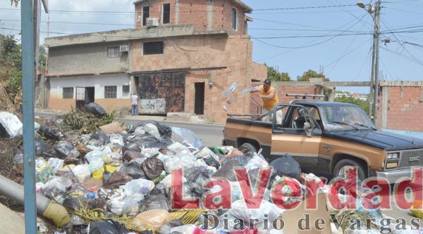 Solicitan contenedor en la entrada de Marapa Piache-La Capilla